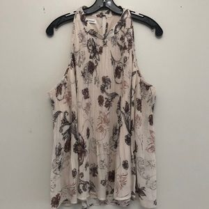 Maurices Tops - Women's NWT pleated floral print top